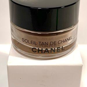 Rare Chanel Soleil Tan de Chanel Bronze Universal Makeup Base, now discontinued